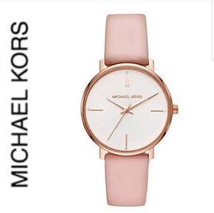 NWT authentic MK rosegold tone leather strap watch